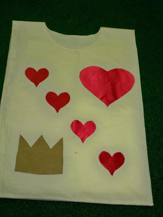 Alice in Wonderland Cards Costumes DIY Spades Queen of Hearts white rabbit applique
