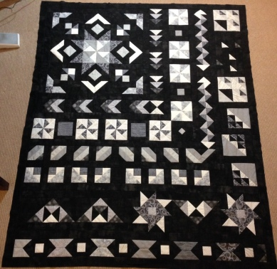 Star in the West quilt Monsoon Sunset Sunsets BOM Block of the Month Southwestern Pinwheel Geometric Flying Geese Black White Grey Row of the Month ROM