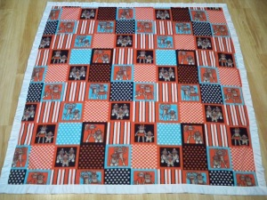 Fleece baby blanket quilt ribbon binding quick fast baby gift red blue sock monkey