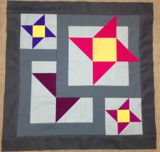 Star Gazing BOM Block of the Month Solid Solids Swan Amity Studios Bella Girls American Brand Solids Seattle WA Clothworks Kona Cottons Hoffman Solids 4 point star pink red purple grey gray Summer Triangle Friendship hidden star depth
