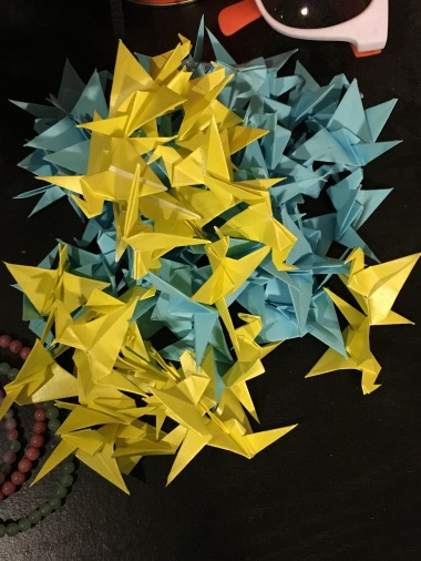 Origami flying cranes 1,000 paper folding